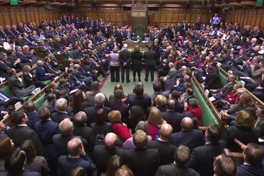 مجلس انگلیس با تعویق مشروط برگزیت موافقت کرد