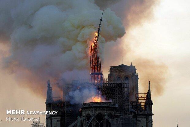 شروع تحقیقات در خصوص علت آتش سوزی کلیسای نوتردام