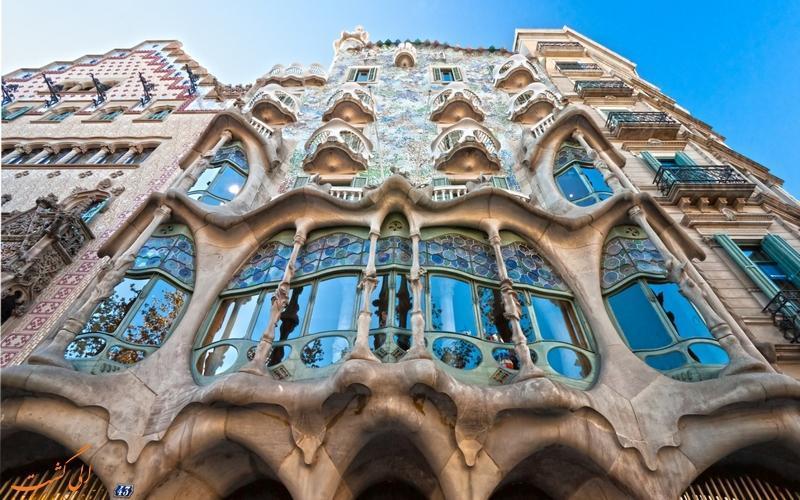 هر کس به این خانه استخوانی اسپانیا پای بگذارد جادو می گردد!
