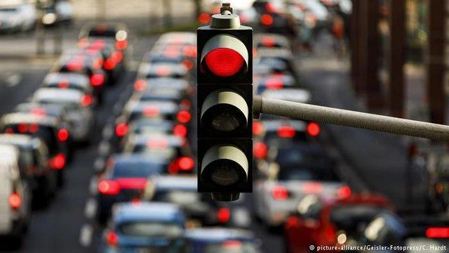 فرصت 10 ساله آمستردام برای جایگزینی خودروهای بنزینی با برقی