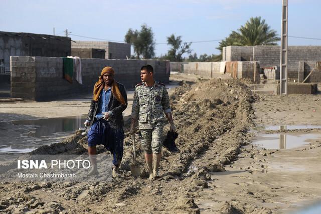 نیروهای امدادی و پلیس با آمادگی صد درصدی در مناطق سیل زده حضور دارند