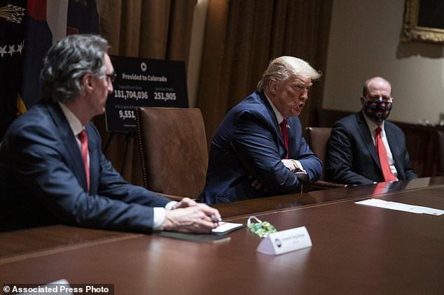 ترامپ داشتن ماسک را اختیاری گفت